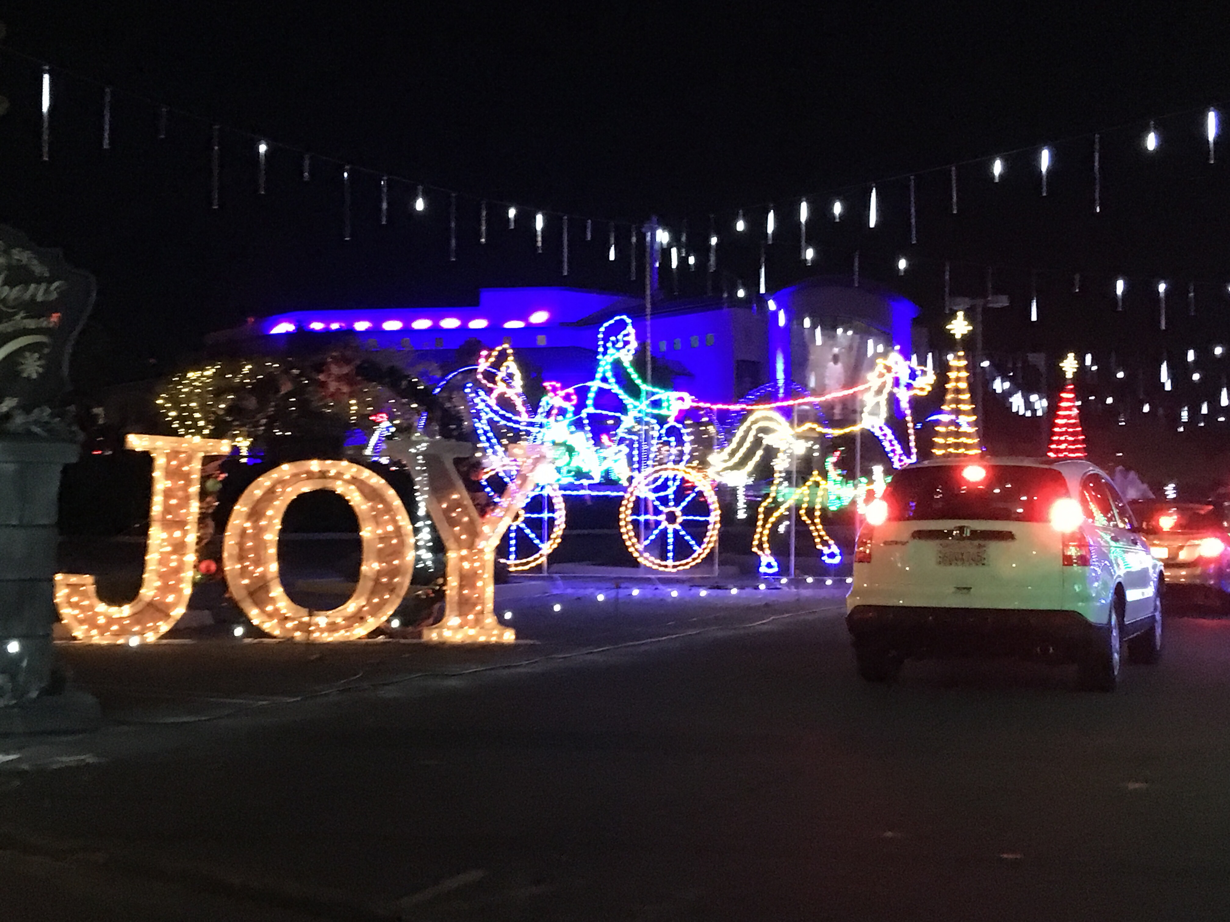 Drive Thru Christmas Lights.Adventure Christmas Lights Drive Thru This Mom Is Going Places